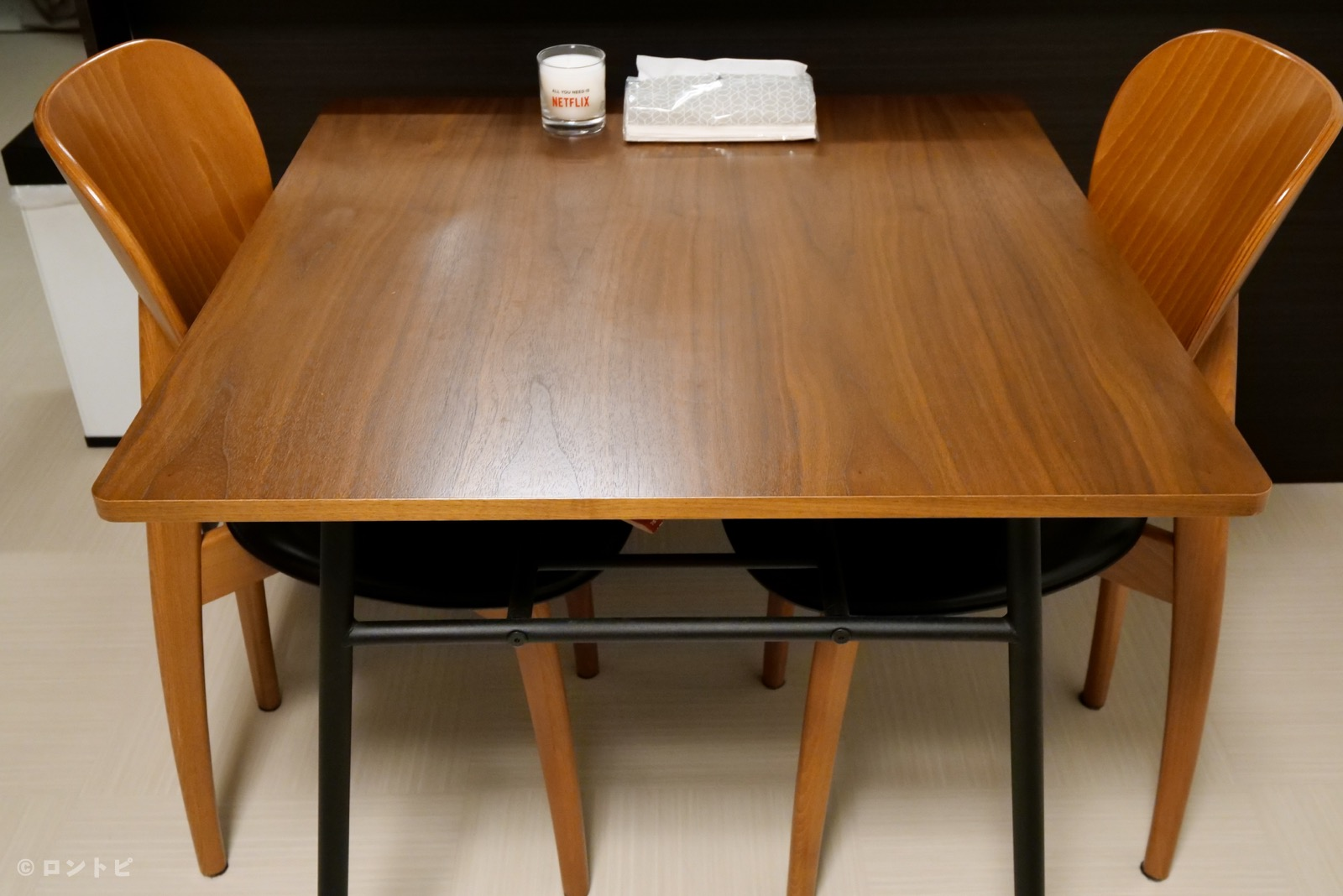 ダイニングテーブル ニトリ